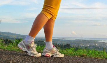 Descubren nuevos beneficios de caminar 15 minutos al día o hacer un día de ayuno al mes