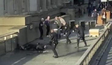 Políticos y ciudadanos homenajean a las víctimas del atentado de Londres
