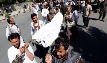 Mueren 10 personas camino de un funeral al explotar una mina en Afganistán