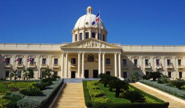Danilo Medina promulga decreto; establece nuevos cargos