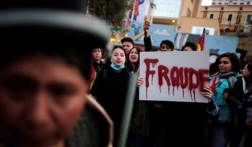 Ordenan aprehender a dos fiscales en proceso de fraude electoral en Bolivia