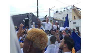 PRM realiza caravana por el gran Santo Domingo