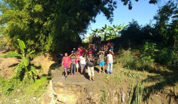 Colapso de puente mantiene incomunicadas alrededor de 50 familias en Moca