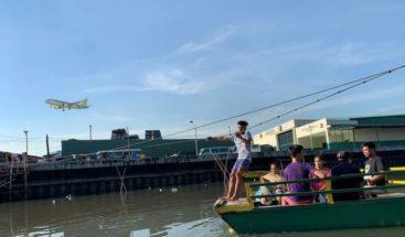 Un tifón llega a Filipinas y provoca cancelaciones de viajes en Nochebuena