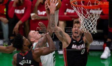 Bucks suman 13 victorias seguidas; Celtics mantienen invicto en su campo