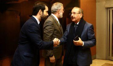 Presidente Medina llega a España para participar en conferencia sobre cambio climático