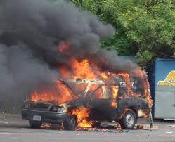 Ola de violencia en región colombiana deja 3 muertos y 6 vehículos quemados