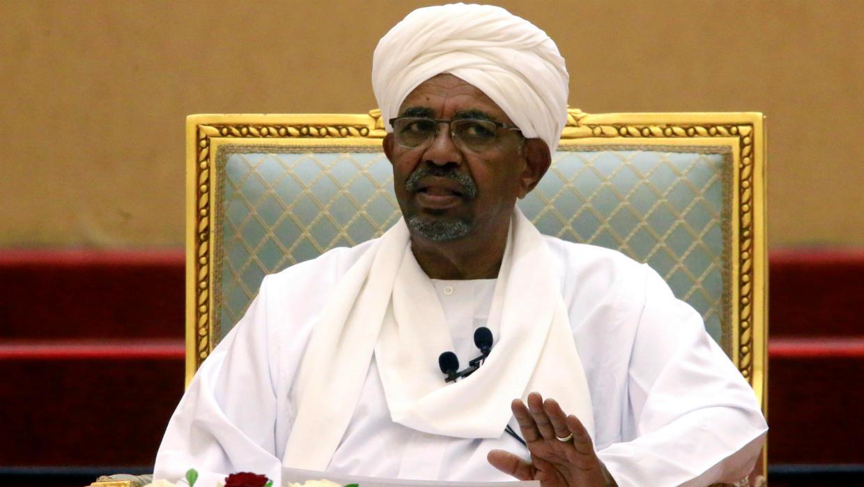 Un tribunal condena a Al Bashir a 2 años de confinamiento por corrupción