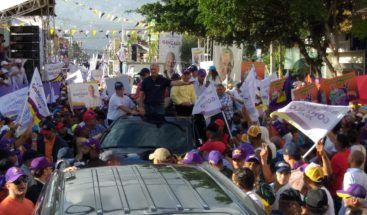 Danilo Medina y Gonzalo Castillo encabezan caravana con motivo del 46 aniversario