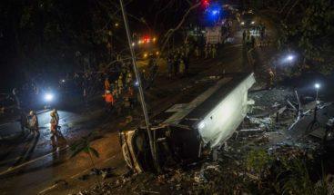 Al menos 6 muertos y más de 30 heridos tras accidente de autobús en Hong Kong