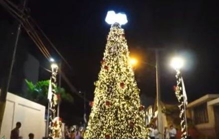 Industrias Macier enciende árbol de navidad