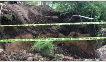 Colapsa puente en comunidad de Moca; residentes dicen es el cuarto