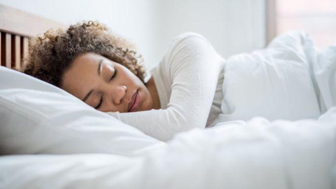 Perder grasa en la lengua mejora la apnea del sueño