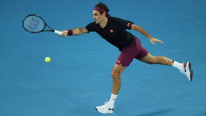 Federer en apuros, Djokovic como un tiro y Tsitsipas eliminado