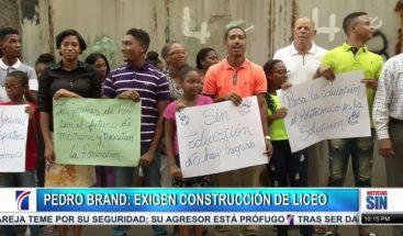 Residentes en comunidad de Pedro Brand exigen construcción de liceo
