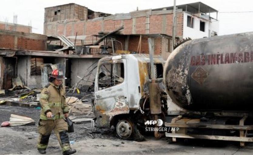 Al menos ocho muertos tras explosión de un camión con gas en Perú