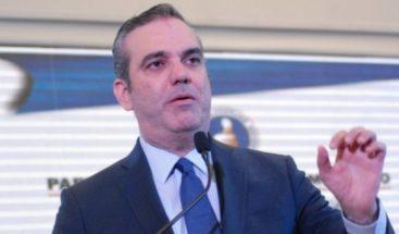Abinader anuncia prepara plan de reactivación económica
