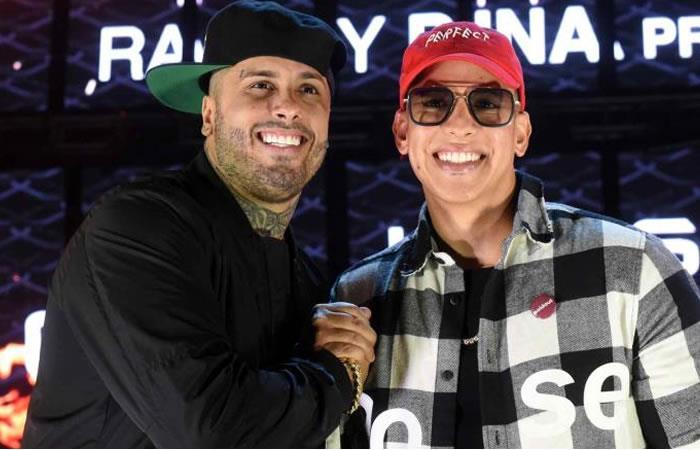 Daddy Yankee y Nicky Jam cantan en Times Square su nuevo éxito