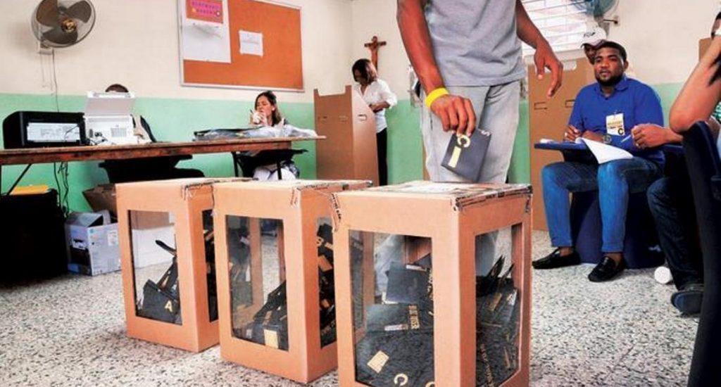 JCE presenta a partidos cronograma para elecciones en el exterior