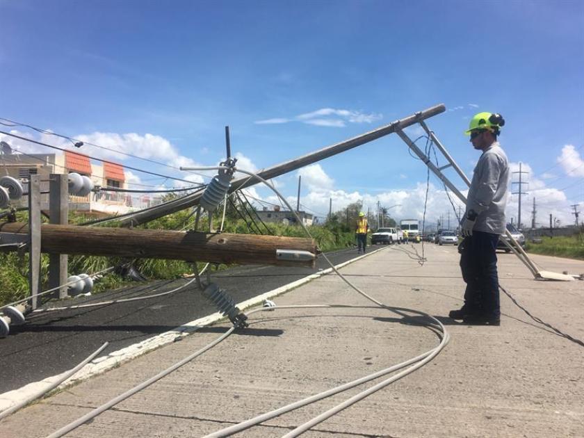 Esperan que hoy el 70 % de los abonados en Puerto Rico recupere la electricidad tras terremoto