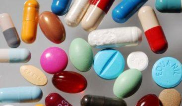 Mueren dos niños tras ingerir medicamento equivocado de una farmacia en Colombia
