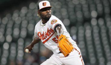 Gerente de los Orioles de Baltimore dice están en contacto con Miguel Castro tras asalto