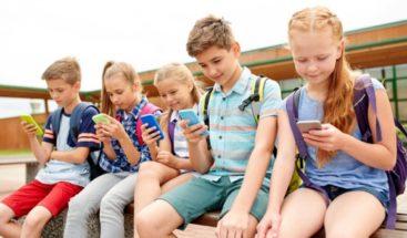 Teléfono móvil y niños: ¿cuáles son los peligros?