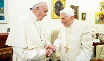 Guerra en el Vaticano por posible falta de visto bueno a libro sobre defensa del celibato
