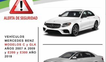 Informan campaña de seguridad para 249 modelos de vehículos Mercedes Benz