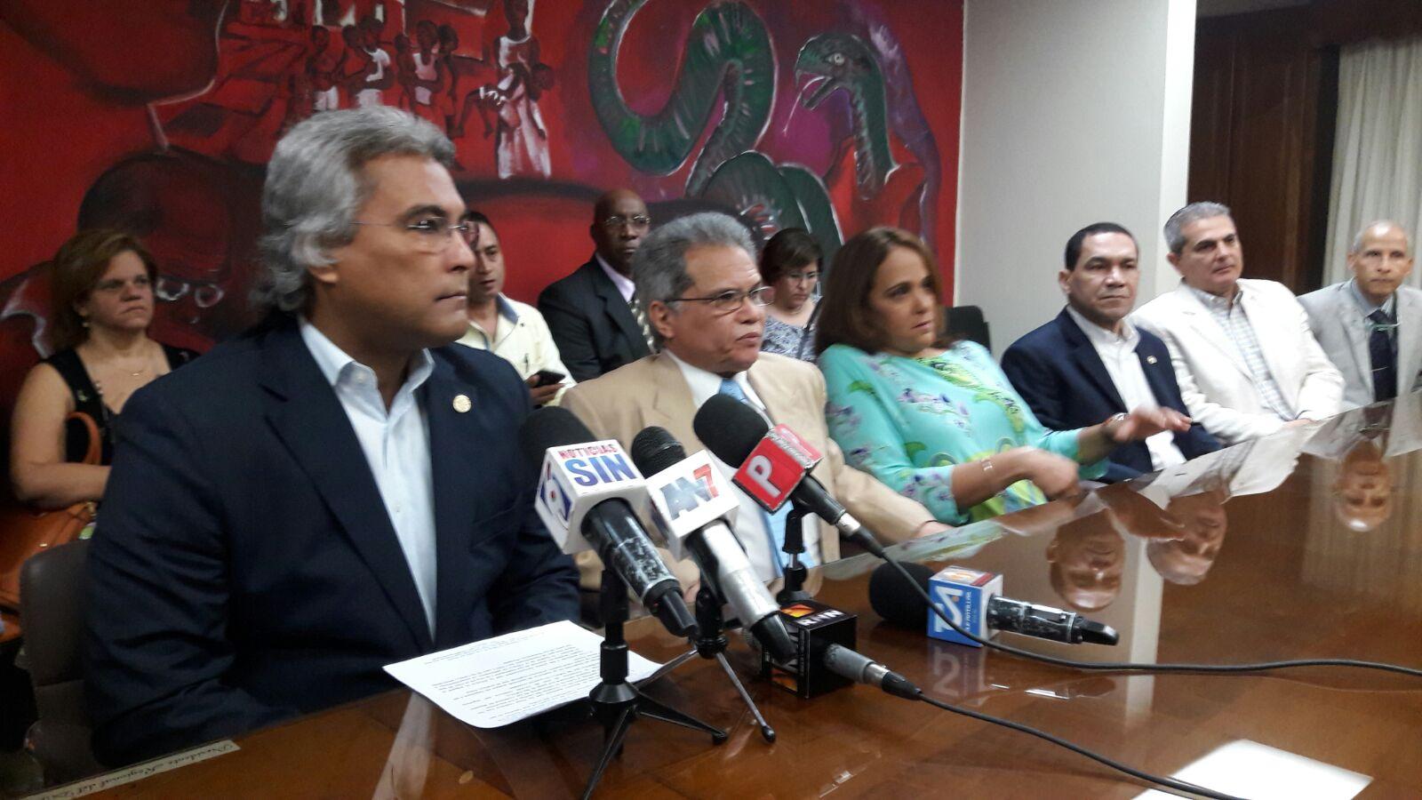 El Colegio Médico y Salud Pública reanudan diálogo