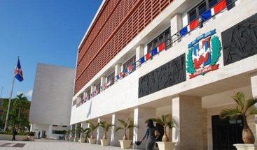 Senado designará comisión de transición para discutir proyectos pendientes