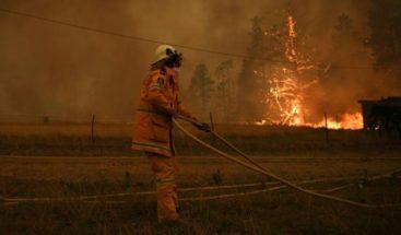 Mueren tres bomberos de EEUU en accidente de avión en incendios de Australia