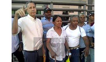 Así va el piquete que la familia Rosario realiza en las oficinas del Banreservas del país