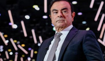 Expresidente de Nissan salió solo de su vivienda para fugarse, según cámaras