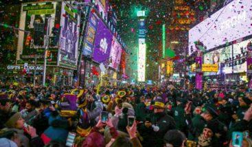 Un millón de personas recibe el 2020 en Times Square con el Imagine de Lennon