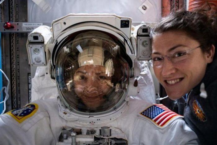 Primera caminata espacial de 2020 realizada exclusivamente por mujeres astronautas