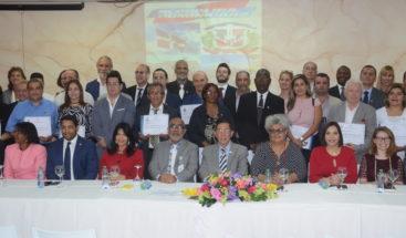 MIP juramenta 45 extranjeros como ciudadanos dominicanos