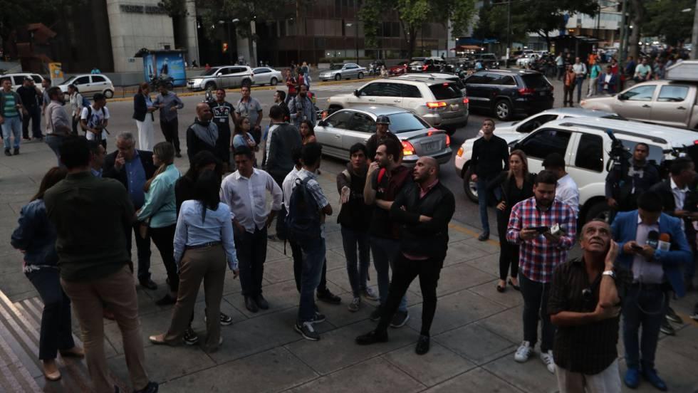 La policía venezolana allana las oficinas de Juan Guaidó en Caracas