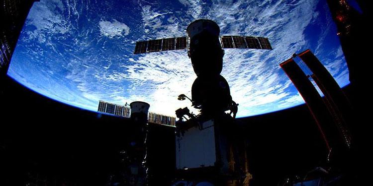 Los cosmonautas rusos dan inicio al experimento
