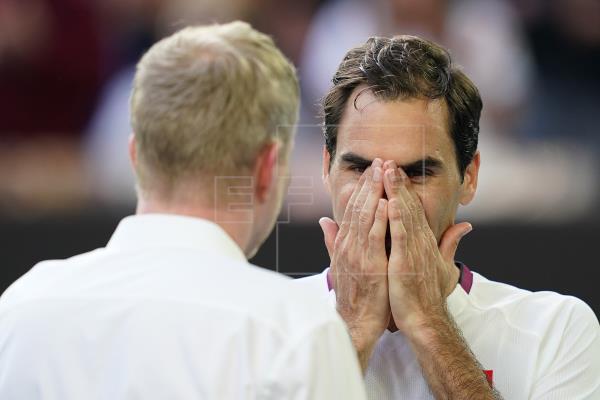 Federer recibe un aviso por obscenidad verbal