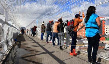 Jueces cuestionan medida de Trump de negar visa a migrantes sin seguro médico