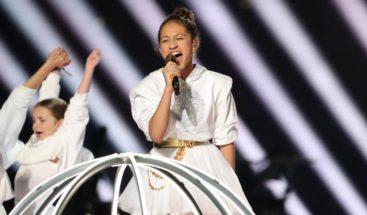 Emme Muñiz, hija de Jlo y Marc Anthony, deslumbra en un inesperado debut en el Super Bowl