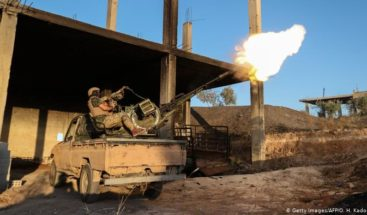 Se reanudan bombardeos con muertos en Idlib mientras tropas sirias avanzan