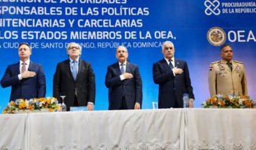 Miguel Vargas reafirma compromiso del país con humanización sistemas penitenciarios