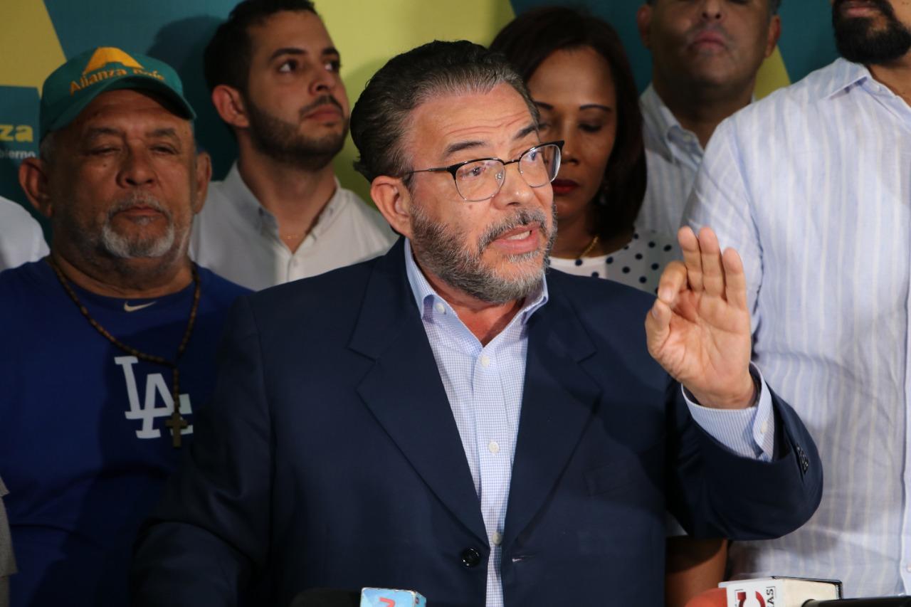 Alianza País afirma suspensión de elecciones es