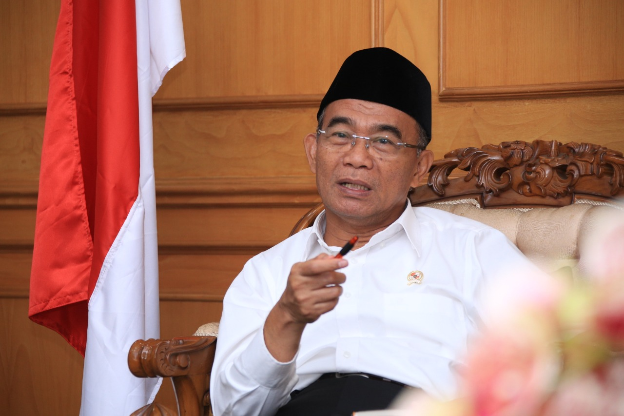 Ministro indonesio propone estrategia para salir de pobreza: que ricos se casen con pobres