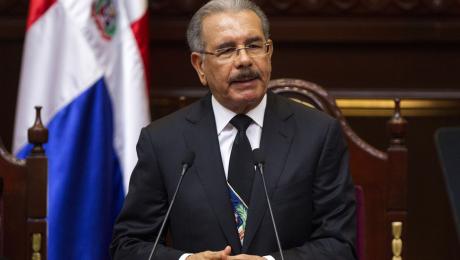 Danilo Medina modifica artículos del decreto sobre programa FASE