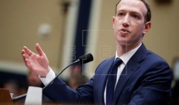 Bruselas insta a Zuckerberg a asumir responsabilidad por impacto de Facebook