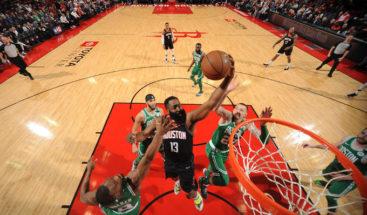 Harden lidera la victoria y los Rockets detienen a los Celtics