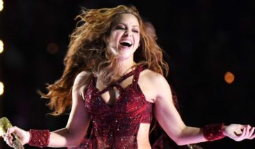 ¿Qué hay detrás del peculiar movimiento de lengua de Shakira en el Super Bowl?